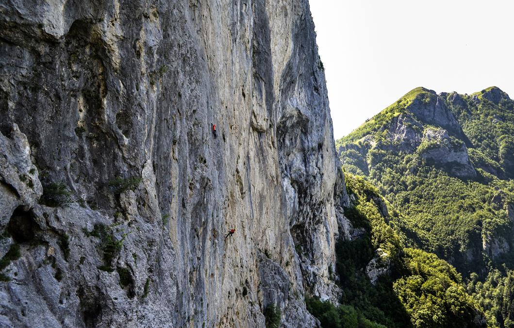 La parete verticale del monte Nona